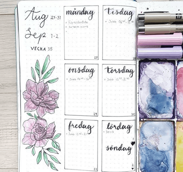 art_by_holmen Purple Watercolor Weekly Spread
